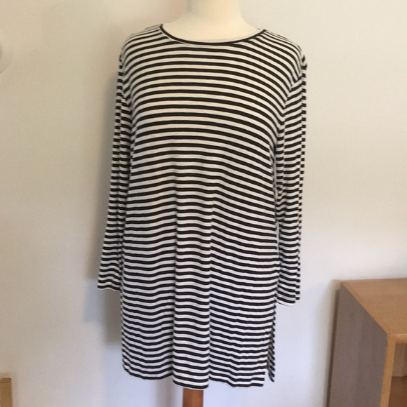 9ac235c49a1 Old Navy Striped Tunic Top (used for Maternity). M_5b535145477368db13fef806